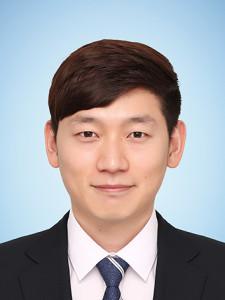 정관윤 사진